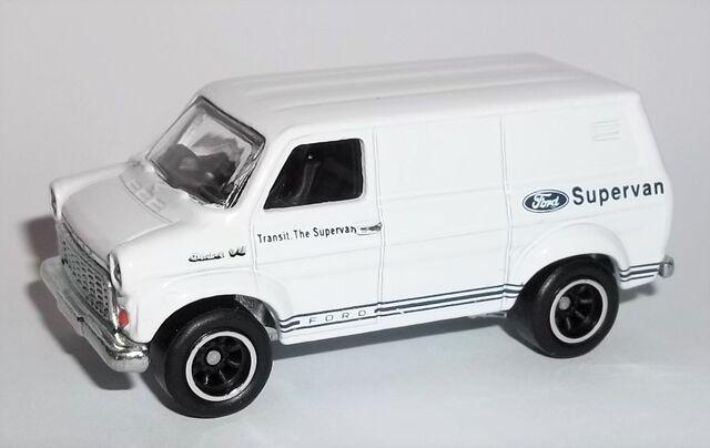File:HW-2015-Heritage Series RR -7-Ford Transit Supervan.jpg