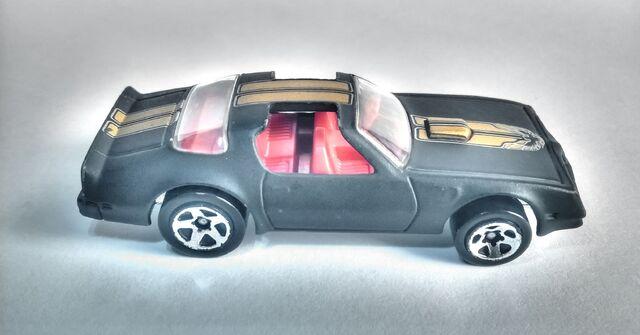 File:Hot Wheels Pontiac Firebird (2007 Model).jpg