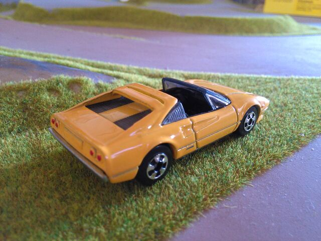 File:Hot wheels 308 GTS conv..jpg