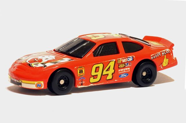 File:McDonald's Ronald NASCAR 1998 - 01273ef.jpg