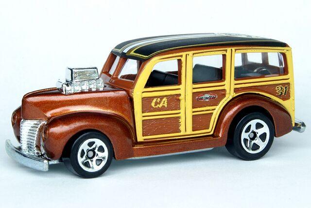 File:'40's Woodie Connect Car - 7451df.jpg