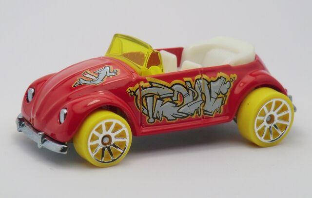 File:Volkswagen Beetle Convertible-2013 040.jpg