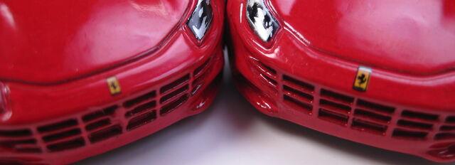 File:Ferrari FF tampo variation larger smaller Ferrari logo.JPG