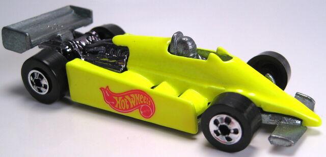 File:Turbo Streak neon yellow BW 1994.JPG
