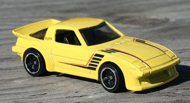 File:2014-021-MazdaRX-7-Yellow.jpg