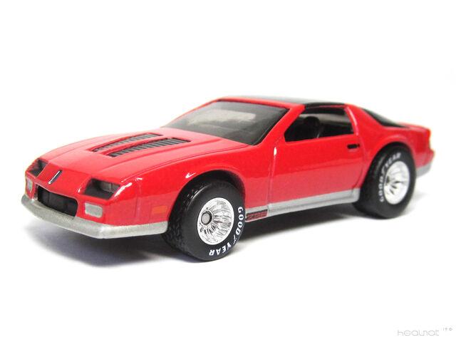 File:Hot Wheels 85 Camaro IROC-Z.jpg