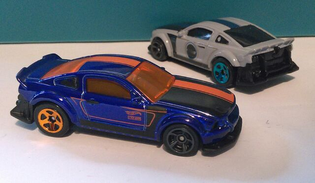 File:Custom-Mustang-SEMA.jpg