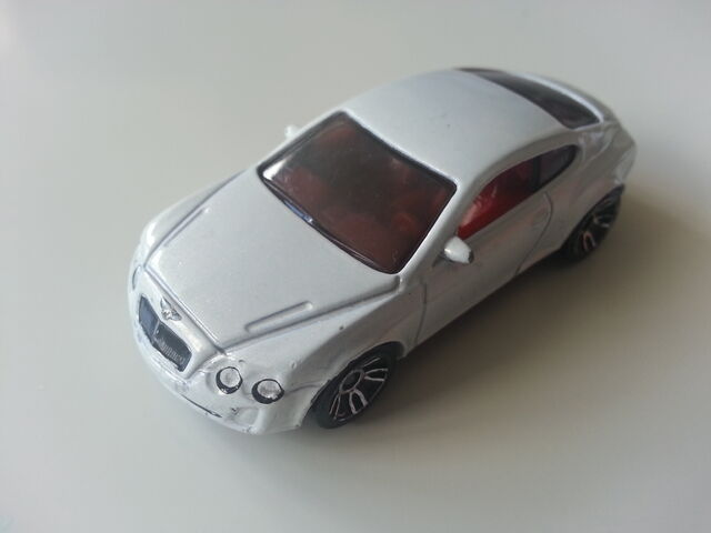 File:BENTLEY CONTINENTAL SUPERSOPORTS BLANCO JDMIKE.jpg