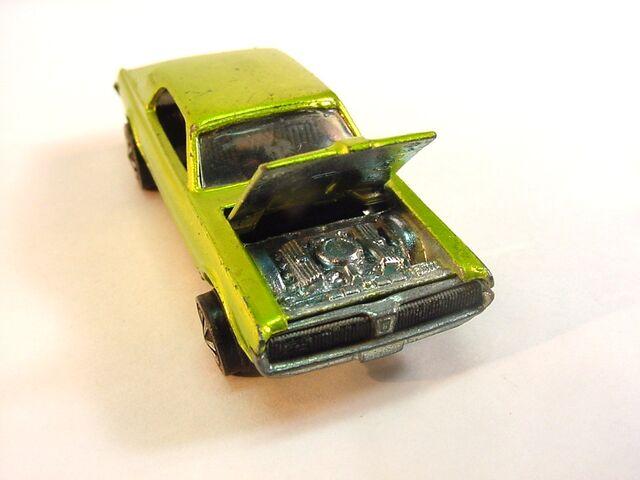 File:1968 Custom Couger antifreeze US Dark int.jpg