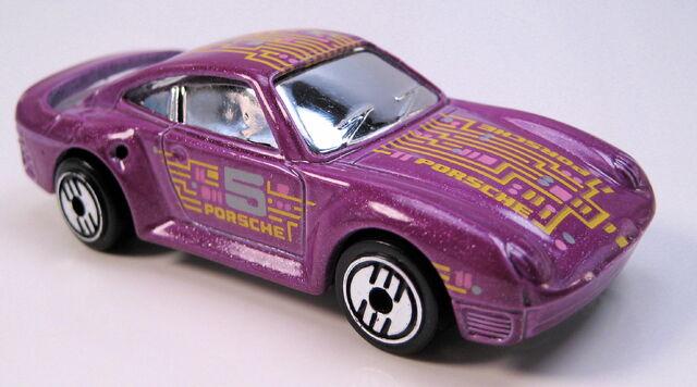 File:Porsche 959 purple, UH, chrome glass, metal MAL base.JPG