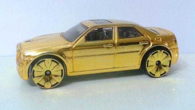 File:Chrysler 300C Hemi - Gold Rides 1 - 07 - 2.jpg