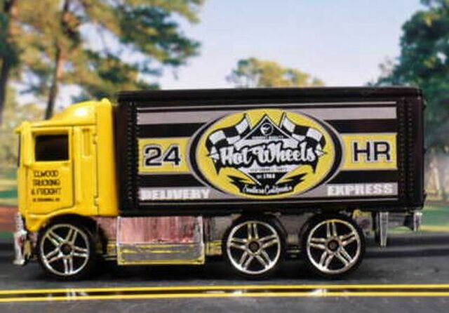 File:Hiway Hauler City Models.jpg
