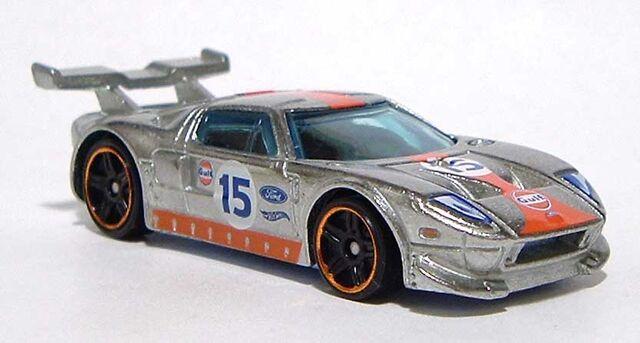 File:HW Ford-GT-(LM) Silver 2016 RF DSCF8814.jpg