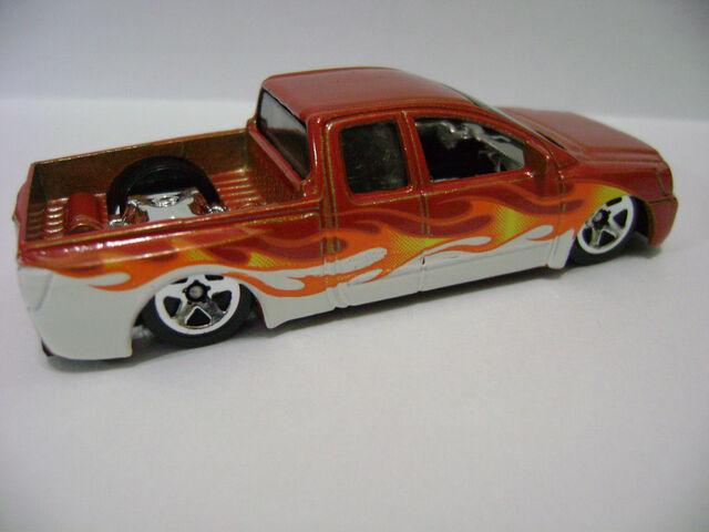 File:2007-5P-Hot Trucks-Nissan Titan.jpg