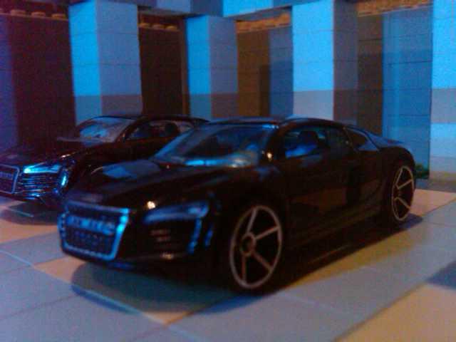 File:AudiR8.jpg