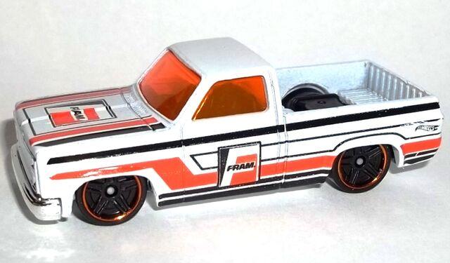File:HW-2015-16-'83 Chevy Silverado-City..jpg