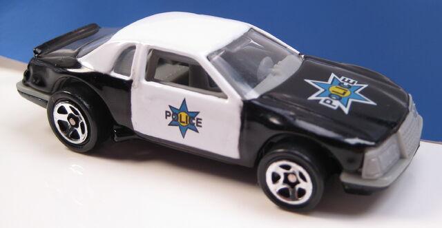 File:Buick stocker police car.JPG