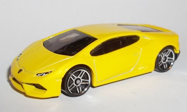 File:HW-2015-222-Lamborghini Huracan LP 610-4-Garage.JPG