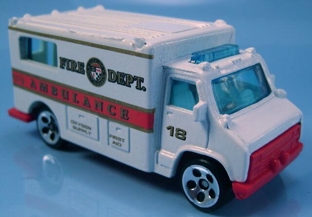 File:Ambulance fire dept fire fighting 5-pack 1998 5hole wheels.JPG