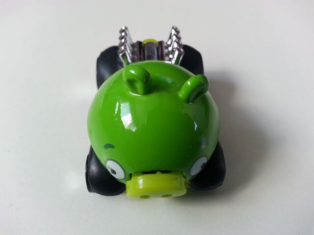 File:Minion Pig front.jpg