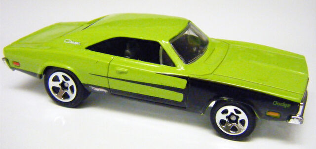 File:69 Charger - MoparMania5pk.JPG