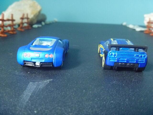 File:Mclaren Vs Bugatti 1.jpg.JPG