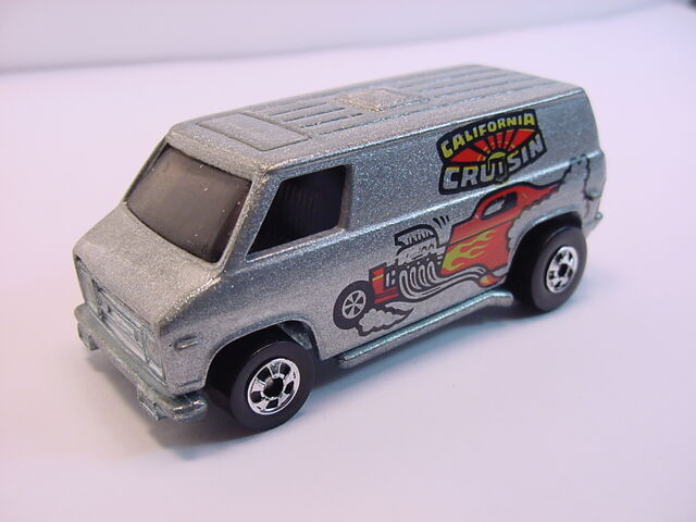 File:1979 Super Van Mtfl grey BW HK.jpg