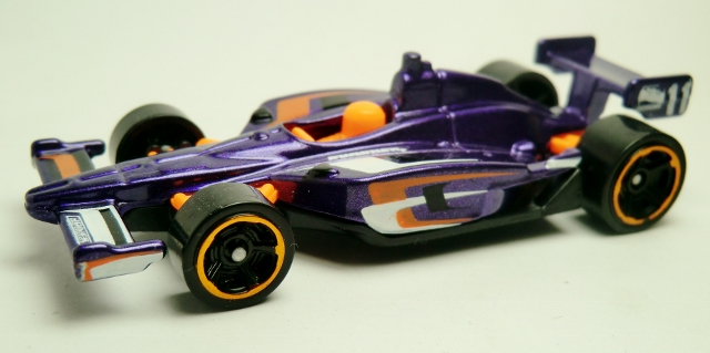 File:2011 IndyCar Oval Course Race Car-2013 126 Track Aces.jpg