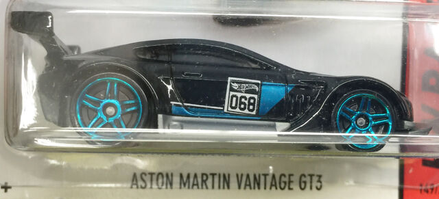 File:AstonMartinVantageCFL35.jpg