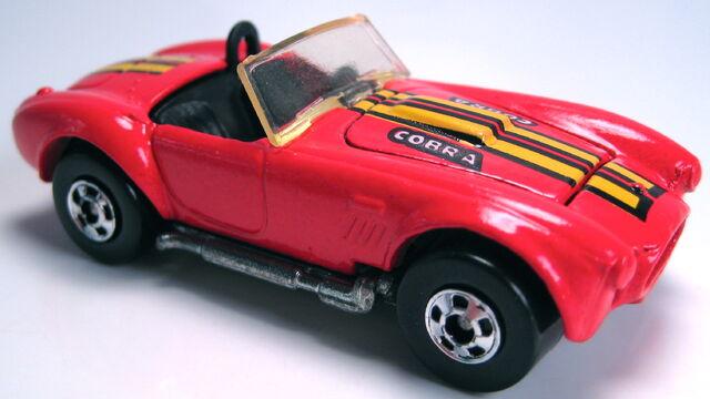 File:Classic Cobra red no 427 metal base BW 1988.JPG