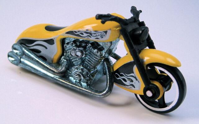File:Scorchin scooter yellow.JPG
