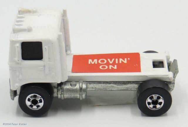 File:Movin On-17602 2.jpg