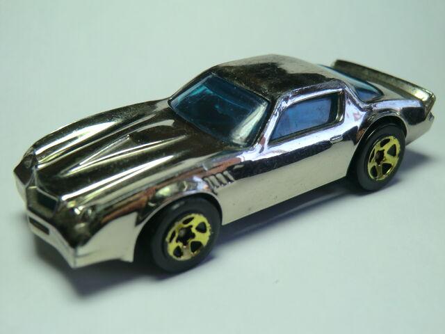 File:Camaro Z-28 CIMG1473.JPG