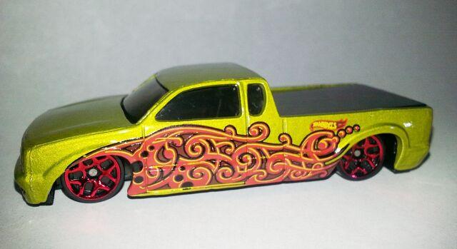 File:HW-2013-Mystery Models Series 2--17-Steel Flame.jpg