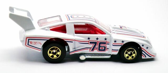 File:'76 Chevy Monza-2012.jpg