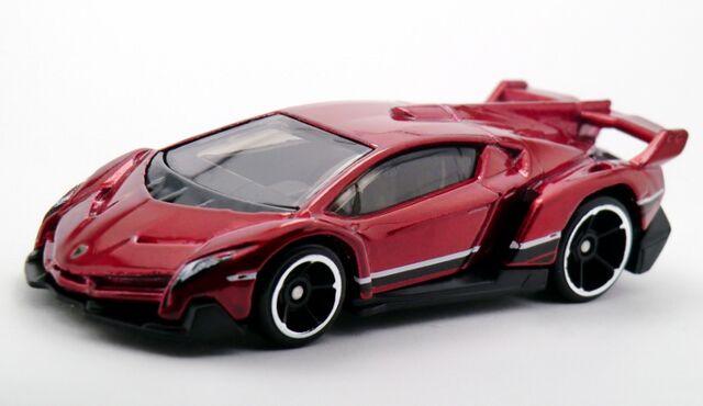 File:Lamborghini Veneno-2015 189.jpg