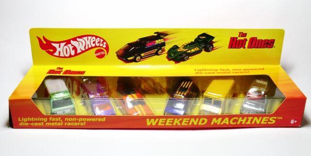 File:2011 Hot Ones Weekend Machines Set.jpg