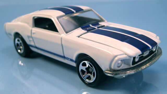 File:68 mustang gt white blue black interior avon park n plates series 1998.JPG