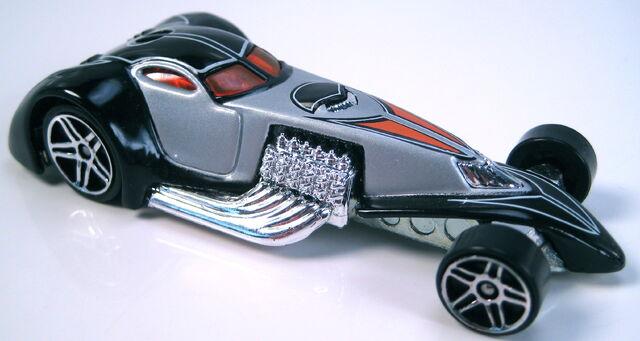 File:Hammered coupe 2001 treasure hunt.JPG