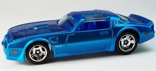 File:Cool Classics--04-'77 Pontiac Firebird.jpg