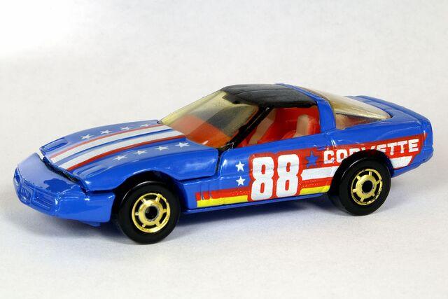 File:'80's Corvette - 5999df.jpg