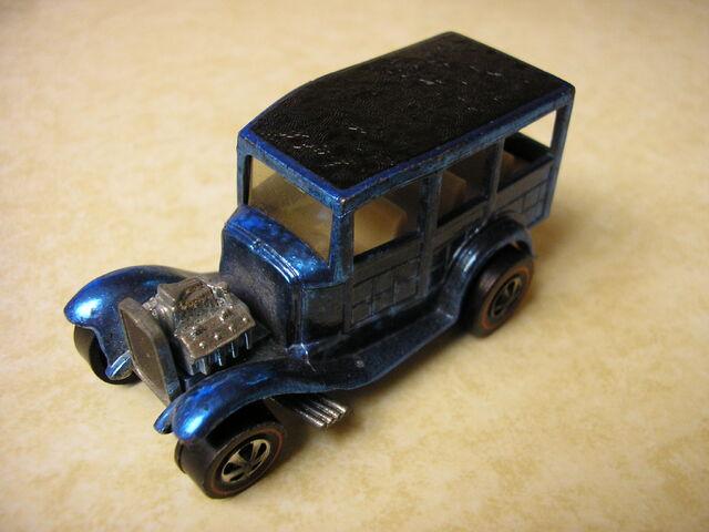 File:31 Ford Woody blue.JPG