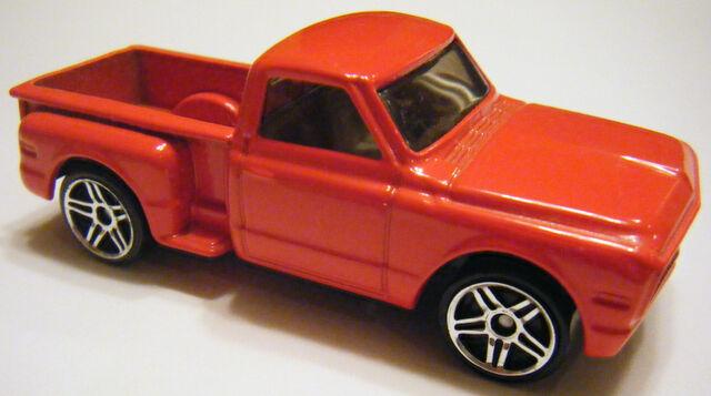 File:Custom '69 Chevy - 02FE.jpg