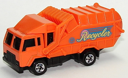 File:Recycling Truck Orgbw.JPG