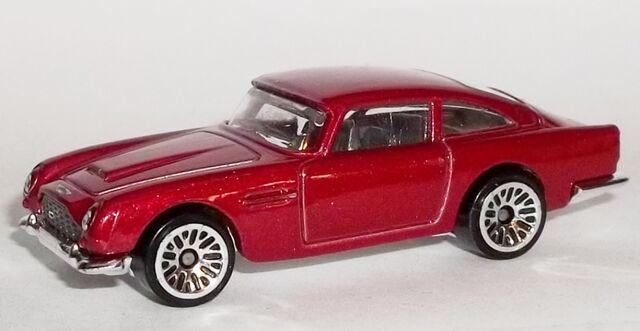 File:HW-2015-245-Aston Martin 1963 DB5-ThenAndNow.jpg