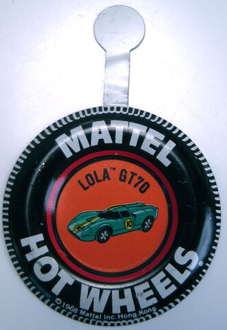 File:Collector button Lola GT70 HK.JPG