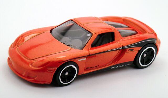 File:Porsche Carrera GT-2015 Series.jpg
