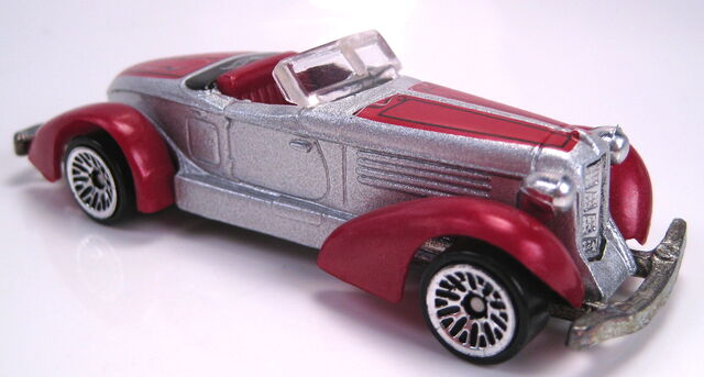 File:Auburn 852 silver red metallic plastic fenders lace wheels mal base 2002.JPG