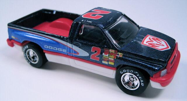 File:Dodgeram1500setcar.JPG