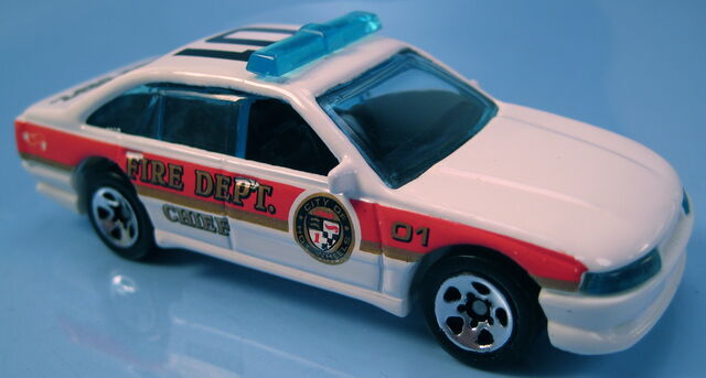 File:Police cruiser holden commodore fire chief car.JPG